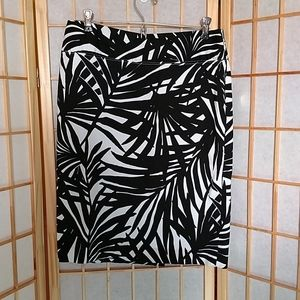 Alfani Black White Palm Leaf Print Skirt Size 8